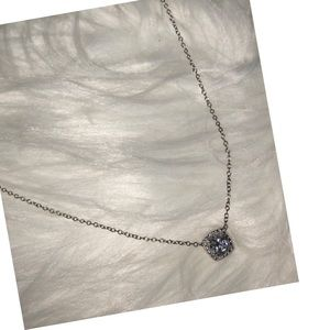 SPARKLY CUSHION CUT PENDANT NECKLACE